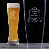 Weizenbierglas Bierglas 0,5 l mit Gravur - Bester Papa - Personalisiert mit [WUNSCHNAMEN] - Weizenbiergläser - Bierglas mit Gravur - Bierglas lustig - Bierglas Gravur - Bierglas bedrucken - Bierglas gravieren - Gravierte Biergläser als Geschenk - Biergläser persönlich graviert als Geschenkidee - Bierglas mit Namensgravur - Persönliches Bierglas - Perfektes Vatertagsgeschenk - Geschenke für Männer - Geschenkideen für Männer - Geburtstagsgeschenke für Männer